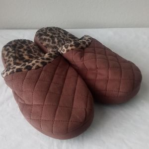 Totes-Isotoner Slippers